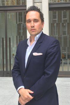 Giles Kenningham